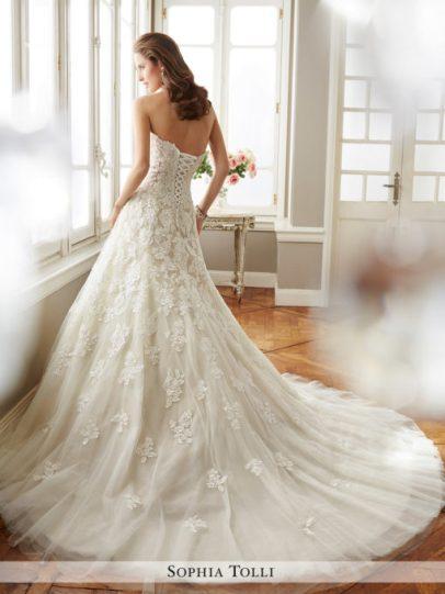 Y11725_b-wedding-dresses-2017-510x680